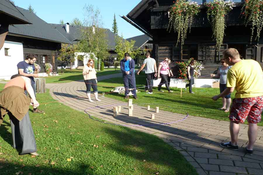 Turmbau bei Team-Training, Hoteldorf SCHÖNLEITN