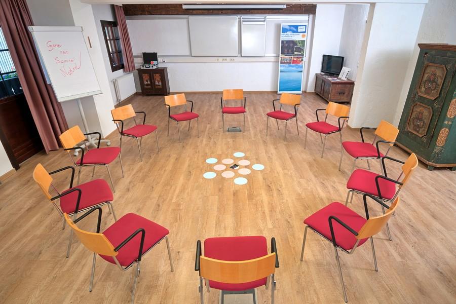 Mangart, Seminarraum mit Sesselkreis, Tagungshotel  Naturel