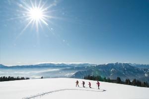 Skitour bei strahlendem Sonnenschein