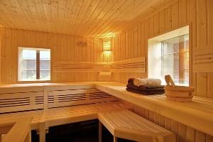 Innenansicht der Sauna im Hoteldorf SEELEITN