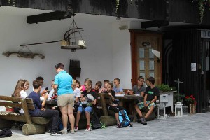 Kinder bei Geocaching-Auswertung, Naturel Hotels