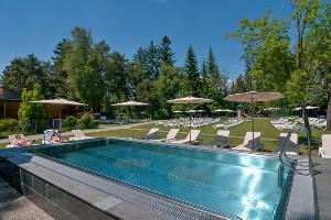 Kleiner Pool im Naturel Hoteldorf SEELEITN