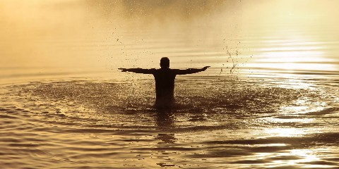 abendliches Bad im Faaker See