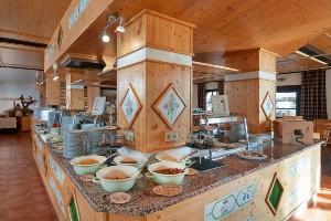 Frühstück mit vielen regionalen Produkten, Naturel Hoteldorf SCHÖNLEITN