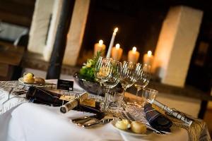 festlich gedeckter Tisch im Dorf Schönleitn