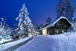 verschneite Winterlandschaft bei Nacht, Hoteldorf SCHÖNLEITN