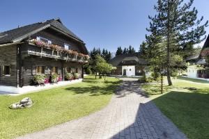 Bauernhäuser im Hoteldorf SEELEITN