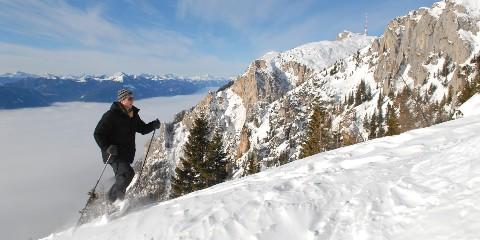 Skitourengänger im Naturpark Dobratsch