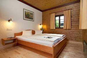 Schlafzimmer im Naturelhotel Kärnten