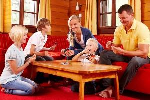Uno Spiel mit der Familie, Appartement Bergeweise