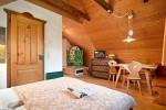kombinierter Schlaf - & Wohnraum im Naturel