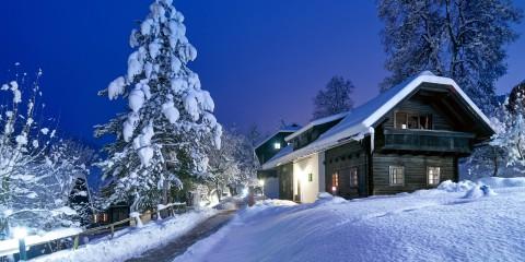 Winteransicht Bauernhaus im Schönleitn
